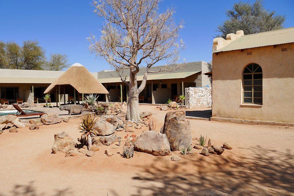 p1060145-courtyard